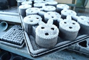 Frosty pots