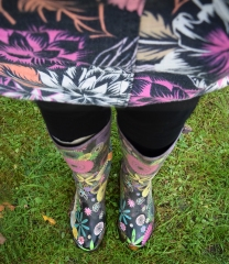 Skirt and welly choice in perfect harmony.